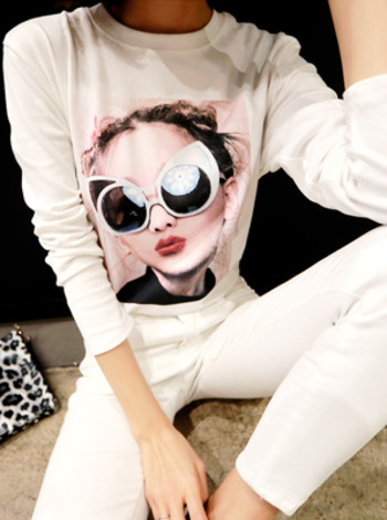 Graphic Print Long Sleeve Round Neck T-Shirt